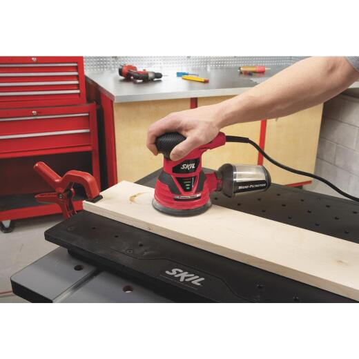 SKIL 5 In. 2.8A Random Orbit Finish Sander
